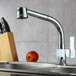 Cách làm sạch vòi rửa bát